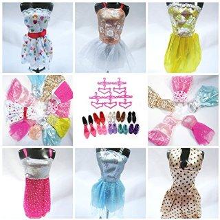 Barbie - Vestiti, scarpe e appendini, 36 pezzi