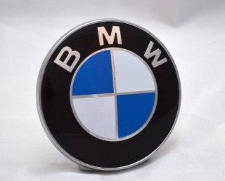 Stemma per cofano BMW a 2 elementi sporgenti, 82 mm, per serie 1 3 5 7 M3 M5 X5 E30 E36 E46