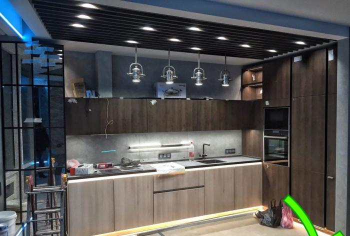 cucina high-tech con elementi loft